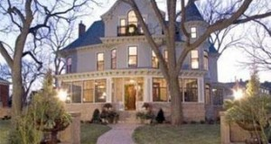 Minneapolis Home with Hollywood Past Lists for $2.895M