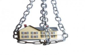 house-in-chains